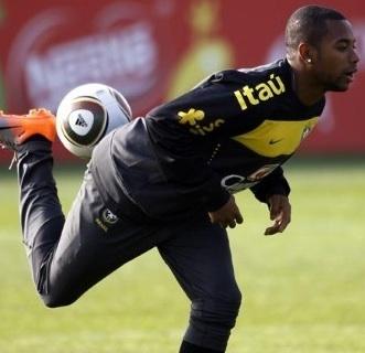soccer skills, soccer training skills, soccer moves, dribbling,  soccer fundamentals
